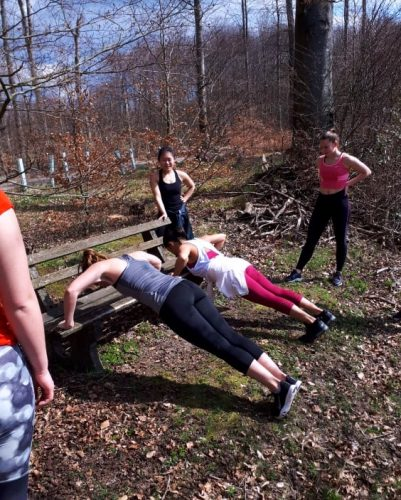 Hochintensives Intervalltraining in freier Natur